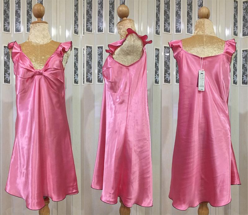 ภาพสินค้าจริง ชุดนอนผ้าซาติน แขนกุด โบว์เต็มหน้าอก สีชมพู