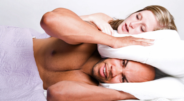 การนอนกรนในผู้หญิง