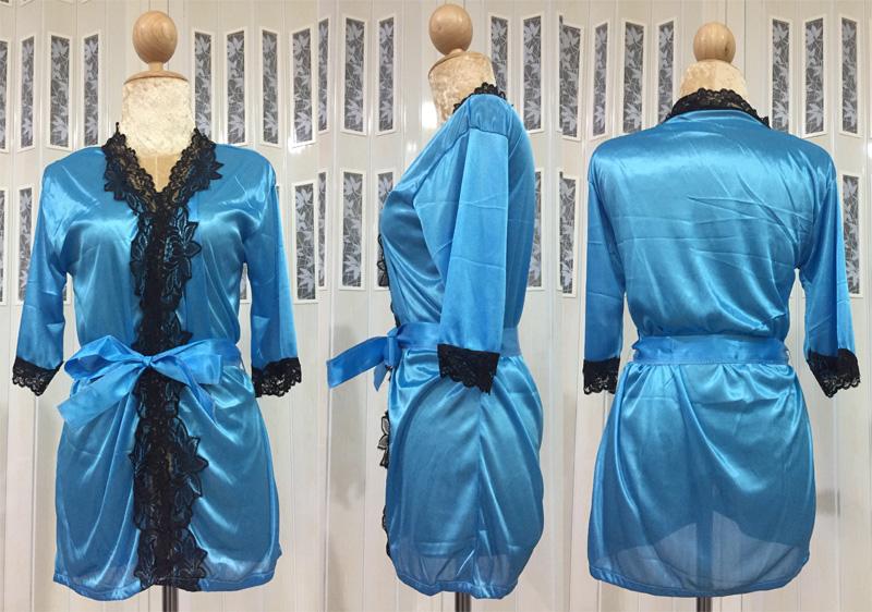 เสื้อคลุม/ชุดนอนผ้าซาติน สีฟ้า ประดับลูกไม้ดำ ภาพจริง