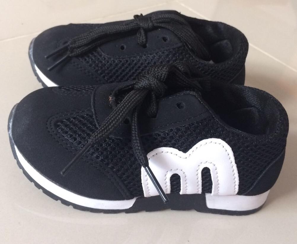 รองเท้า MIKI เบอร์ 21