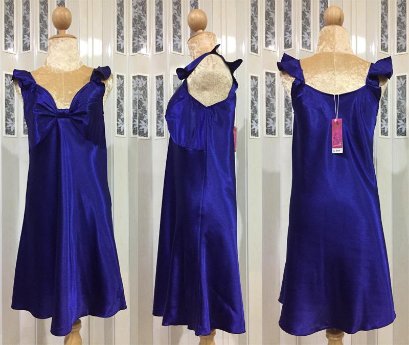 ภาพสินค้าจริง ชุดนอนผ้าซาติน แขนกุด โบว์เต็มหน้าอก สีน้ำเงิน