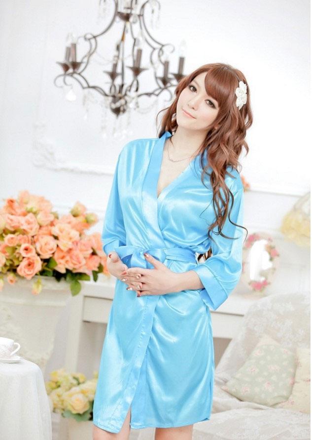 เสื้อคลุม/ชุดนอนผ้าซาติน สีฟ้า ลูกไม้ปลายแขน