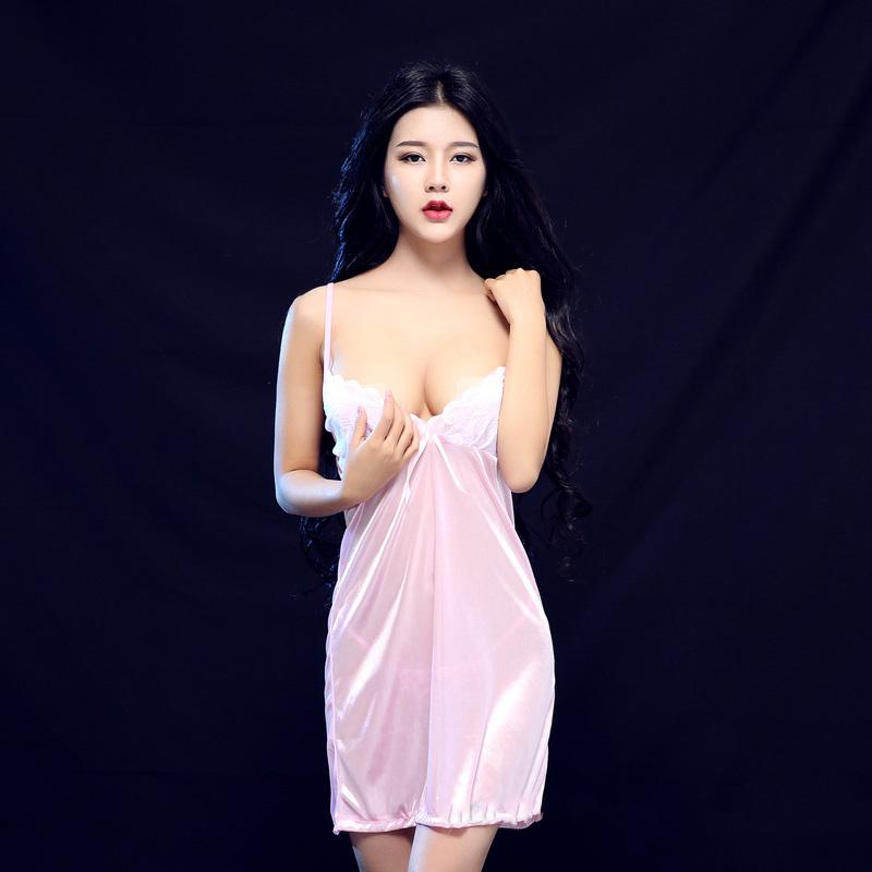 ชุดนอนผ้าซาติน สายเดี่ยว สีชมพู