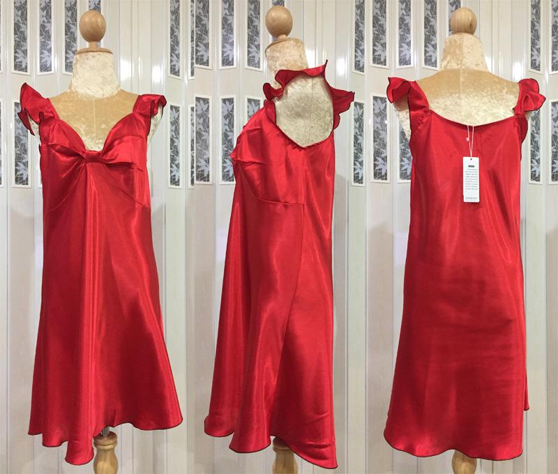 ภาพสินค้าจริง ชุดนอนผ้าซาติน แขนกุด โบว์เต็มหน้าอก สีแดง