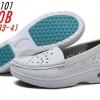 รองเท้าพยาบาล หนังสีขาว เจาะรูระบายอากาศรอบด้าน รหัสMM0101(พรีออเดอร์)